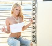 Shannyn strips and teases on a Vegas rooftop 15