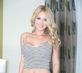 Shannyn strips and seduces 8