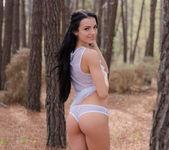 Naked Hiking - Sapphira 4