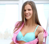 Sarah Kay gets naked and fingers herself 4