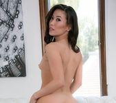 Alexis Texas, Dahlia Sky, Kalina Ryu - Lesbian Hot Wifing 25
