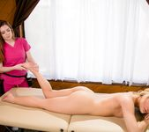 Abby Cross, Veronica Vain - Lady Facial - Fantasy Massage 6