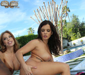 Keisha Grey, Britney Amber - Blacks On Blondes 12