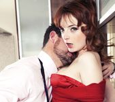 Housewife Lola Gatsby Drains Cum in the Kitchen - Private 4