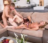 Sofie Goldfinger & Loveini Lux Have an Anal Threeway 4