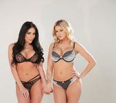 Jessa Rhodes, Jaclyn Taylor - Mommy likes Blondes 25