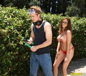 Ariella Ferrera - Backyard Banging - MILF Hunter 4
