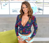 Layla London - Touch Me - Big Naturals 4