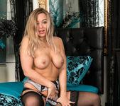 Beth Bennett - Sexy Tease - Anilos 12