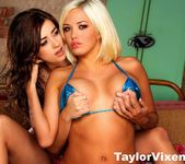 Taylor Vixen Invites Her Friend Jenny Hendrix Over To Play 7