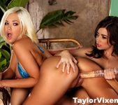 Taylor Vixen Invites Her Friend Jenny Hendrix Over To Play 12