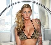 Hot babe Brooke gets nude - Brooke Banner 5