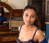 Alishaa Mae - Petite Milf - Anilos 4