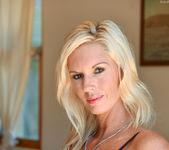 Jewel - Classy Blonde - FTV Milfs 4