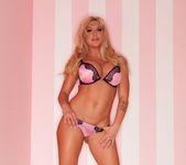 Blonde bombshell Leya Falcon struts her stuff 4