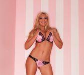 Blonde bombshell Leya Falcon struts her stuff 5
