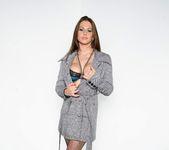Sexy Rachel Roxxx gets nude and spreads 2