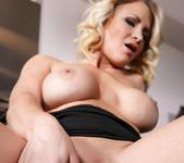 Blonde slut Daisy Monroe toys her wet pussy 10