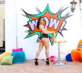 Kimber Woods - Floridian's Scorching Anal Date - Evil Angel 5
