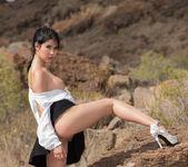 Peeing On The Rocks - Lady Dee - Watch4Beauty 4