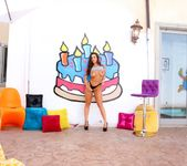 Abigail Mac - Banging Cuties - Evil Angel 8