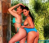 Dana and London play by the pool - Dana DeArmond 9