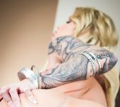 Blonde spinner Daisy Monroe in stockings 2