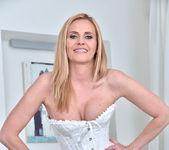 Lili Peterson - Sexy Milf 8