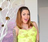 Adriana Chechik, Karmen Karma - Deep Throat League #02 7