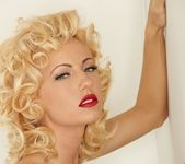Cody Love - Marilyn 6