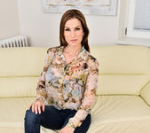 Carol Gold - Housewife Shows Off 2