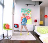 Jenna Ivory - Blonde's Big Butt Fucked To Gaping 4
