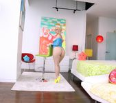 Jenna Ivory - Blonde's Big Butt Fucked To Gaping 7