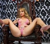 Angela Sommers - Chair For A Queen 4