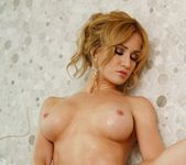 Angela Sommers - Bathtub Pussy Play 4