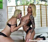 Daisy & Samantha Fuck - Daisy Monroe 4