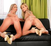 Angel Piaff, Vinna Reed - Barely There - 21Sextreme 5