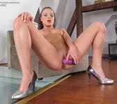Anita Bellini - InTheCrack 11