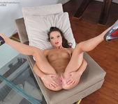 Anita Bellini - InTheCrack 14