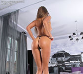 Maria Rya - InTheCrack 6