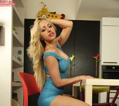 Melanie Gold - Karup's Private Collection 8