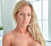 Janelle - Sexy Soaking - FTV Milfs 2