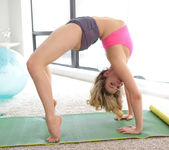 Mia Malkova - Yoga Bodies - Nubiles Porn 4