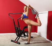 Sara Luvv - Physical Training - ALS Scan 7