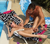 Gina Gerson, Victor Solo - Bottoms Up - ALS Scan 6
