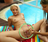 Anastasia Lee, Gina Gerson - Tresse Francaise - ALS Scan 11