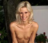 Carina Cora, Kylie Wylde - Fisting Pleasures - ALS Scan 7