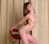 Jenny D - Stunning 18 10