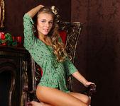 Katie A - Window - Stunning 18 6