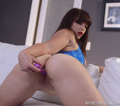 Betty Cage in Big Butt Twerking Solo 7